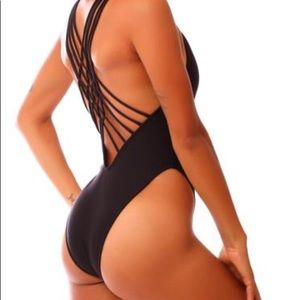 Kaikini High Side Strappy One Piece Suit